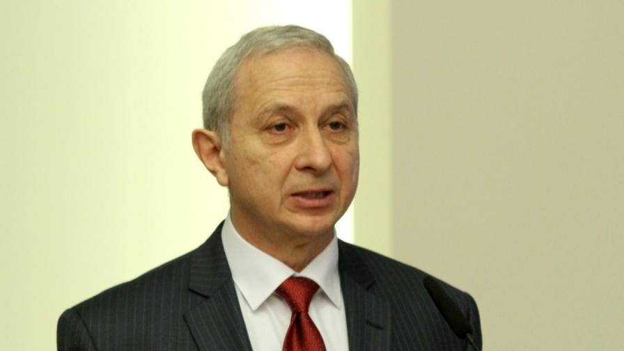 Герджиков - от скандала през 2005 г. до рими за запек