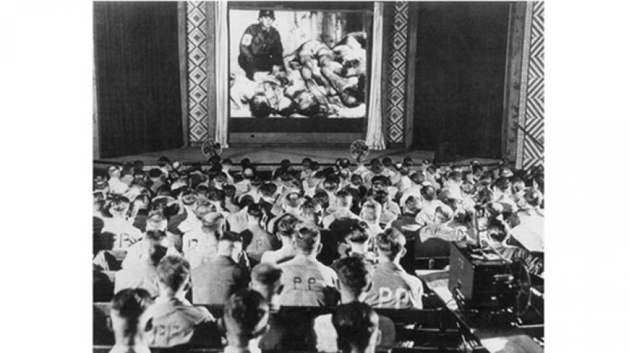 Германски военни реагират на ужасни снимки от концлагери