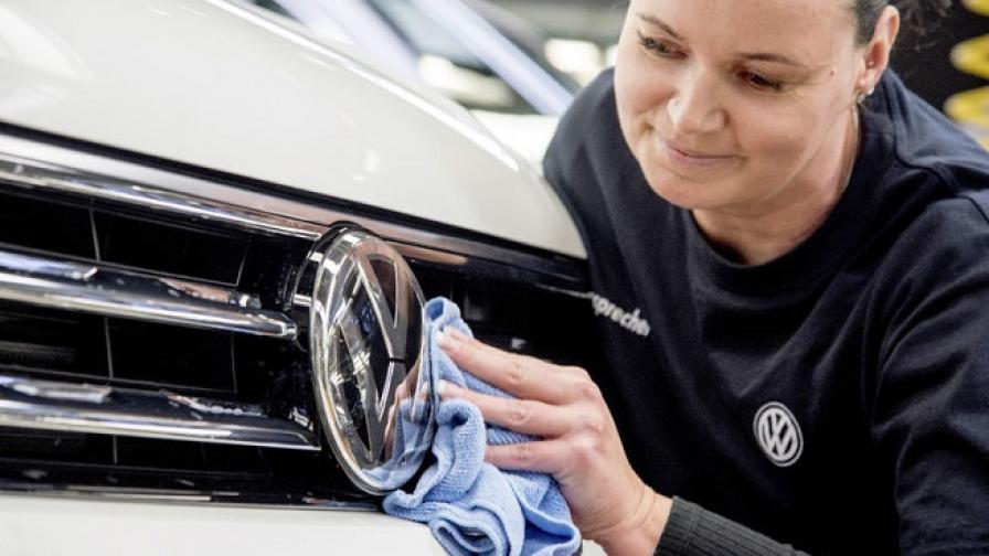 Инвеститори заведоха иск срещу Volkswagen за 9,2 млрд. евро