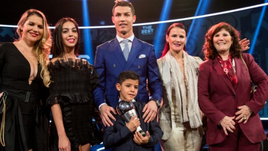 Източници: Кристиано Роналдо чака близнаци