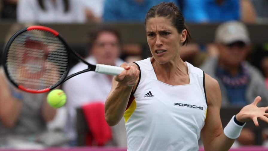 САЩ шокира германска тенисистка с нацистки химн
