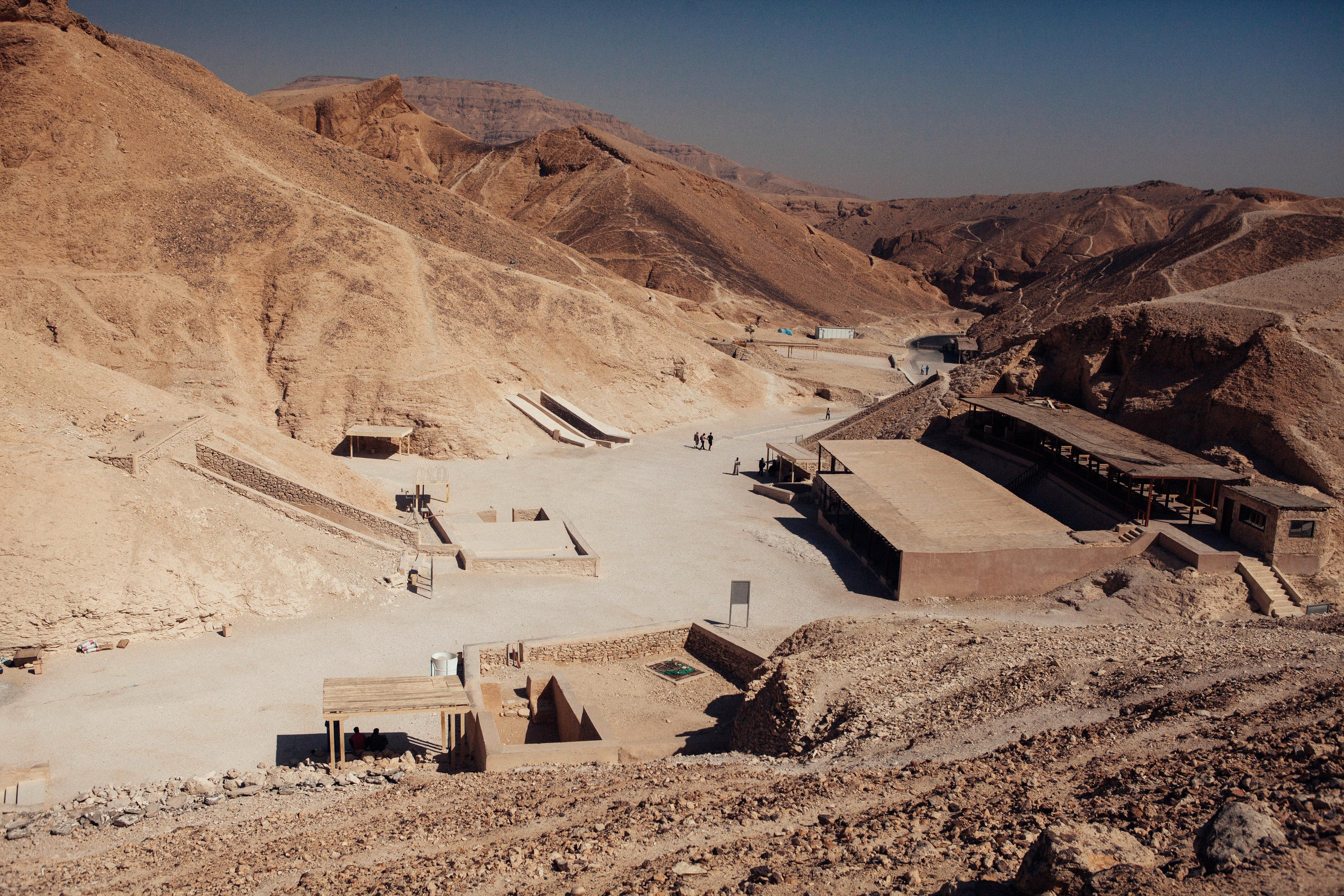 Гробът на Тутанкамон е единственото открито непокътнато царско погребение отДревен Египет.