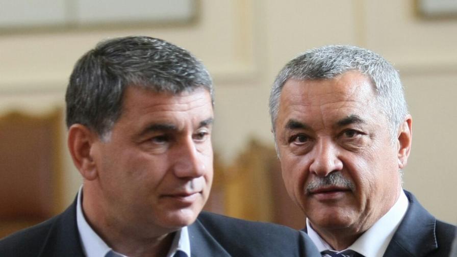 Байрактаров: Тайна среща между Каракачанов и Нинова
