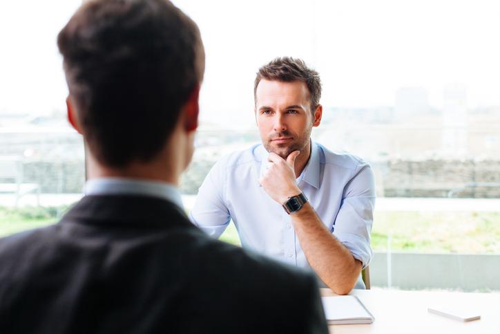 Да слушаме другите<br /> Качество, което винаги ще ни бъде от голяма полза. Истинският интерес, който проявявате към други хора показва, че искаме да научим нещо повече за тях. Освен това е добре, защото няма да изпуснем нещо важно, което може да се отнася за нас. Разбира се, няма как да помним всичко, защото има и много информация, която не ни е нужна и по-скоро ще ни напряга. Ако умеем да отсяваме важното, тогава сме истински добри слушатели.