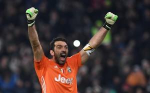 Буфон изравни Тоти в Серия А