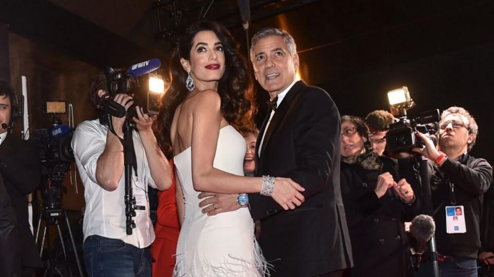Джордж Клуни с важна награда, Амал - с бременно коремче