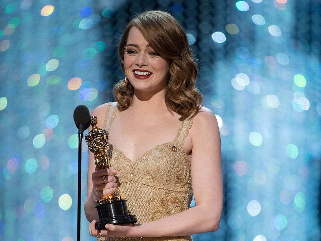 Ема Стоун се нарежда на първо място като най-високоплатената холивудска актриса. Тя е изкарала 26 млн. долара за последните 12 месеца.