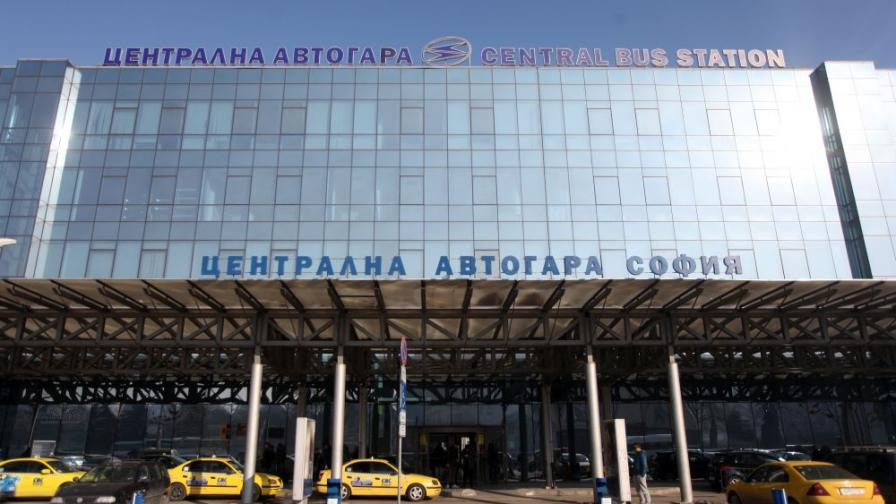 """Стотици увиснаха, """"Витоша експрес"""" не пътува до Пловдив"""