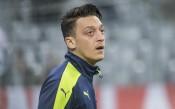Арсенал среща проблеми с подновяването на договорите на двама