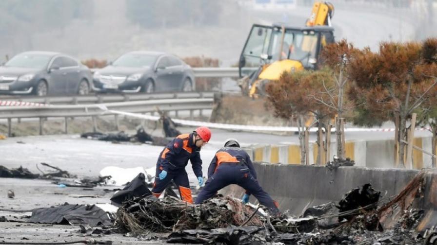 Хеликоптер падна в Истанбул, загинаха руски бизнесмени
