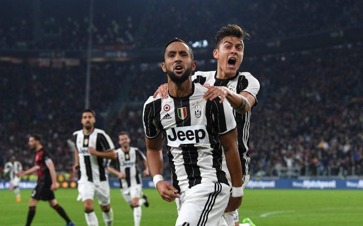 Спорна дузпа в последната минута дари Ювентус с победа срещу Милан