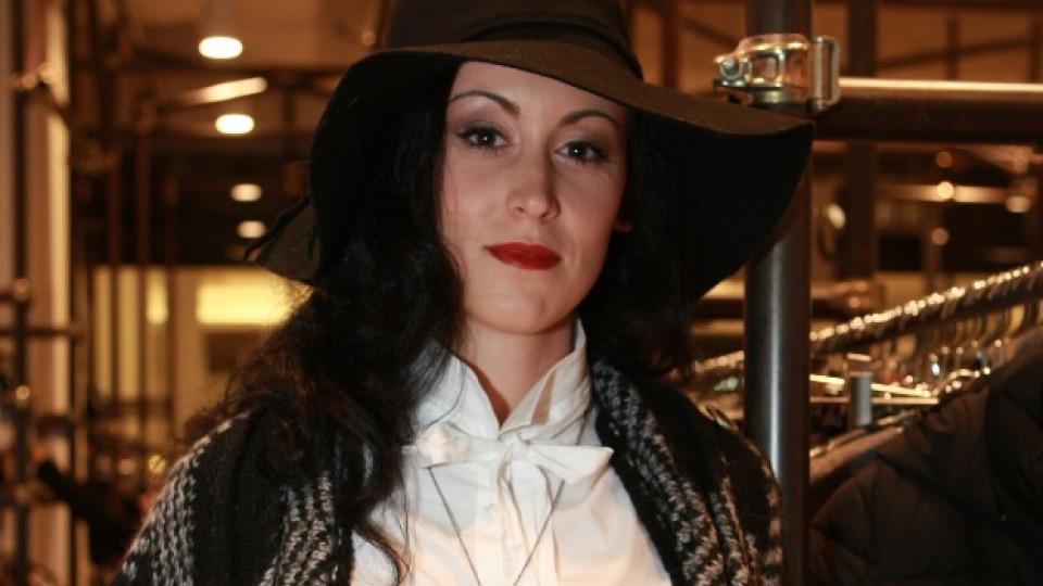 Моника Иванова - Edna жена в Mall of Sofia