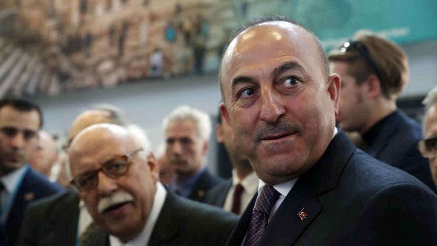 Турски министър заплашва Холандия, вижте отговора