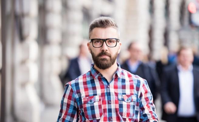 Учени обясниха защо жените не могат да устоят на мъже с бради