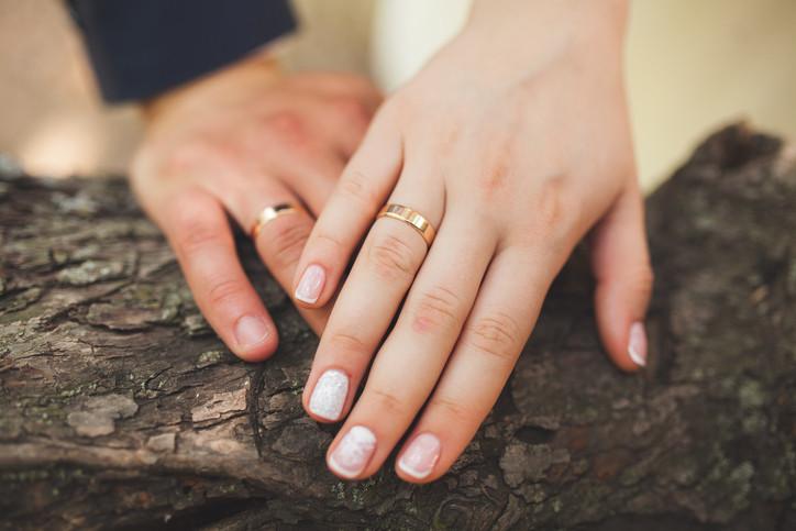 """1) Когато мъжете започнат да усещат, че жената, която обичат, се опитва да ги """"поправи"""" твърде много..."""