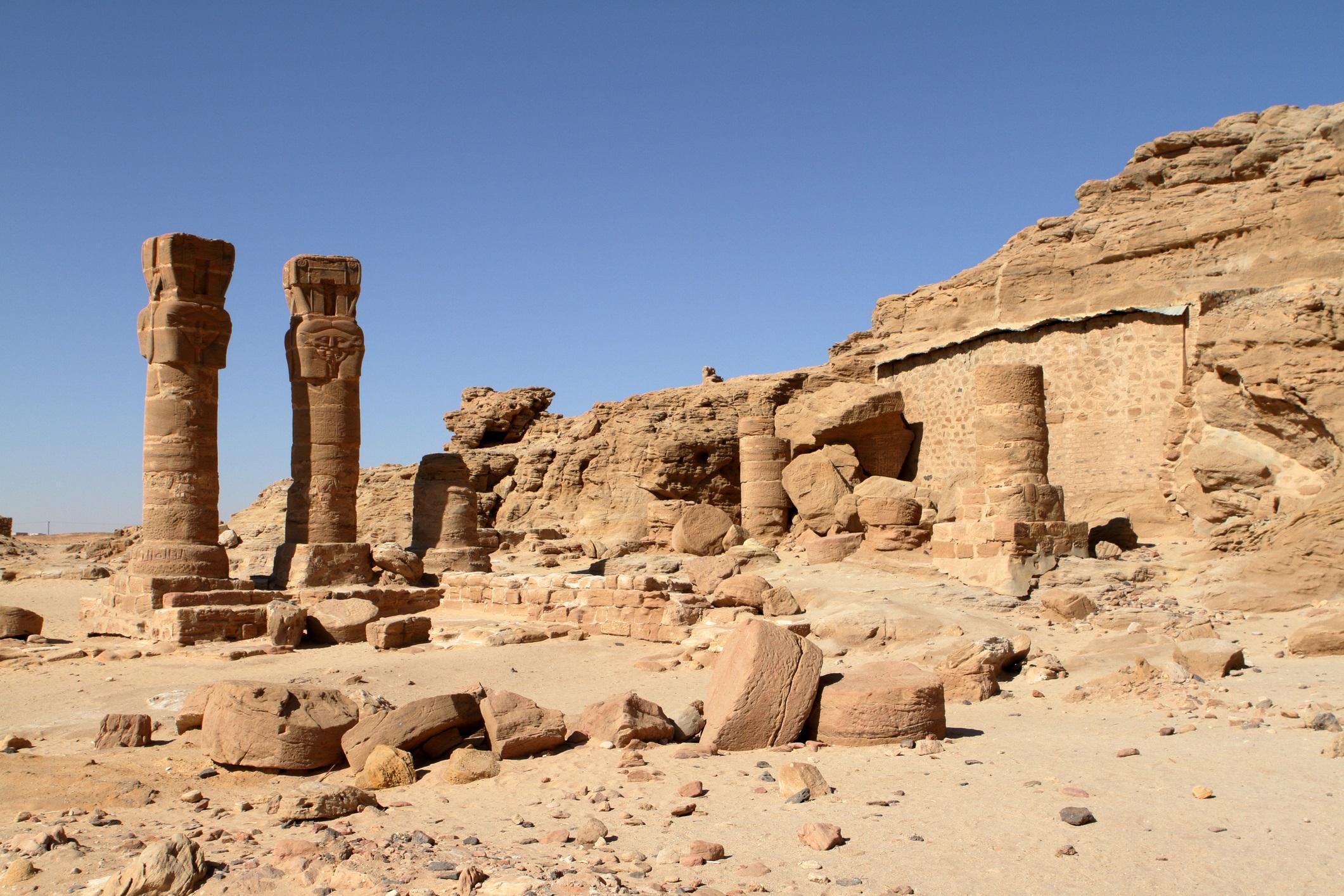 Руините на храма в планината Джебел Баркал