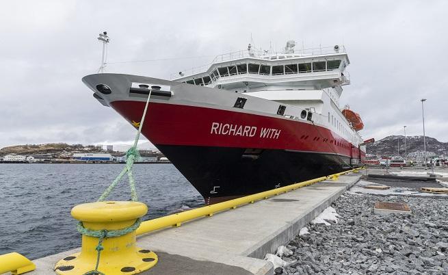 365 дни в годината кораби на Hurtigrute свързват 35 пристанища по брега на Норвегия.