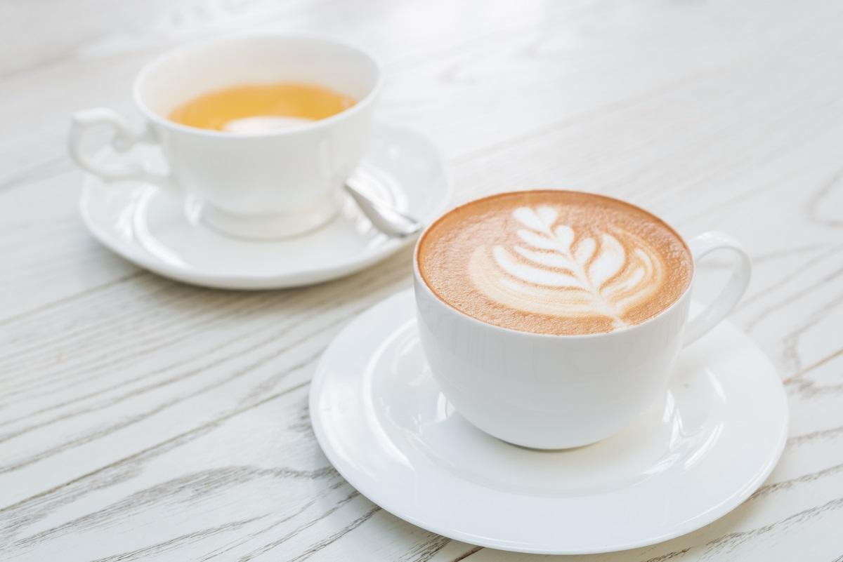Кафе - кофеинът предизвиква отделянето на стомашен сок, който при отсъствието на храна разяжда лигавицата на стомаха и предизвиква гастрит.<br />