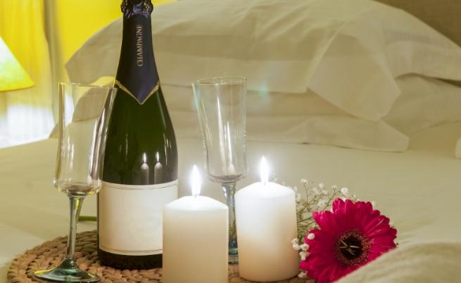 Кое от трите може да те предразположи най-много по време на една интимна вечер?