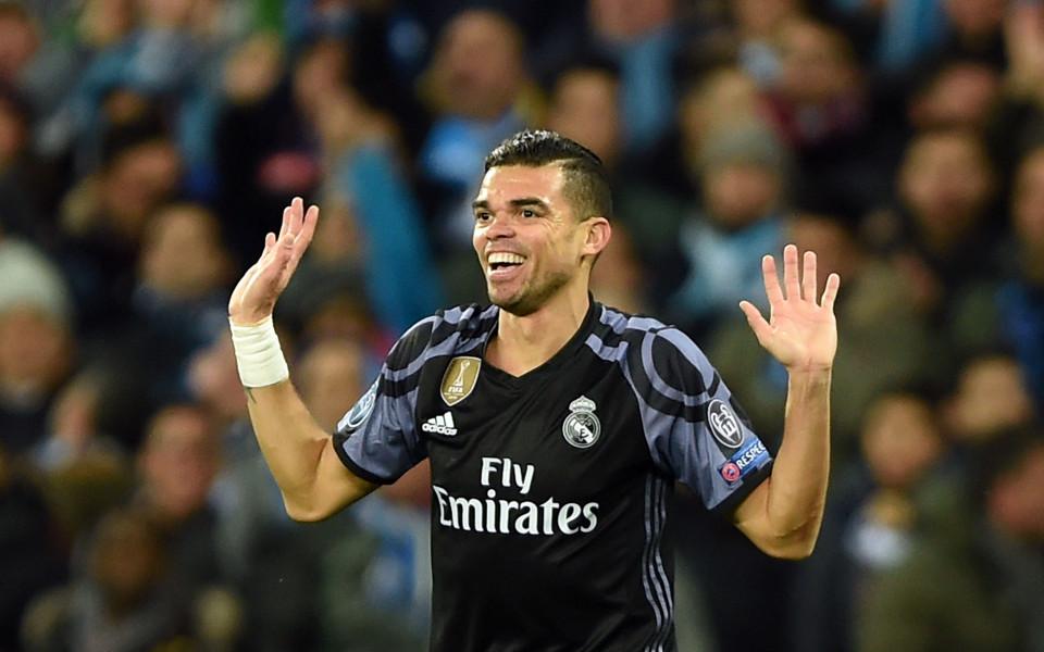 Пепе се заяде с феновете на Реал, не били емоционални