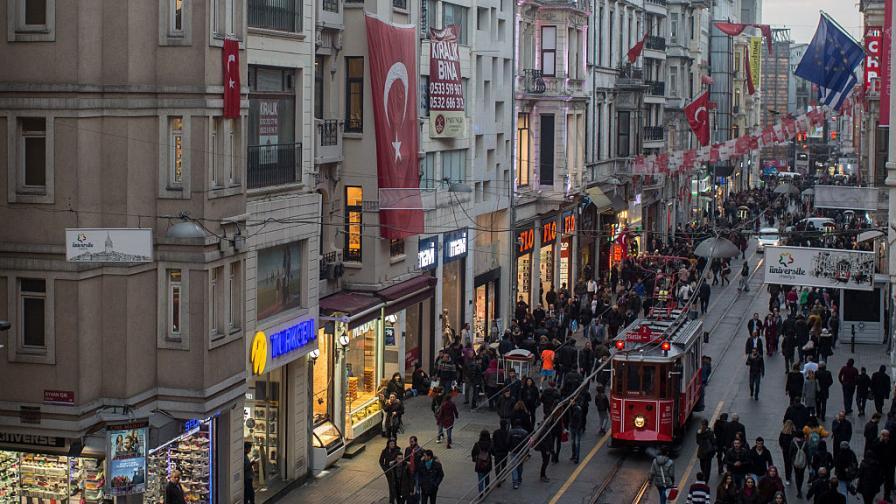 Огромен скандал в Турция – деца раждат деца