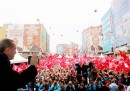 През последния месец Ердоган говори на голям брой митинги в подкрепа на конституционните промени. Референдумът за повече правомощия на президента ще се проведе на 16 април.