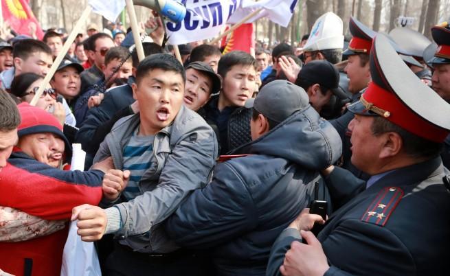 Политически протест в Киргизстан само дни преди атентата в Санкт Петербург