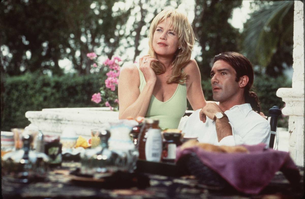 Мелани Грифит и Антонио Бандерас в комедията Too much (1996 г.)