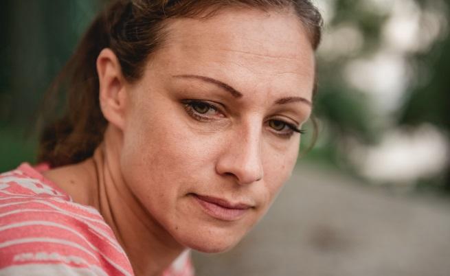 Съд забранява на майка да разкрие сексуалността си пред децата й за 6 години
