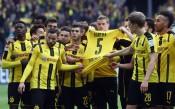 Емоции в Дортмунд, играчите показаха фланелката на Бартра