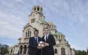 Бербатов и Фиго със страхотна реклама на София