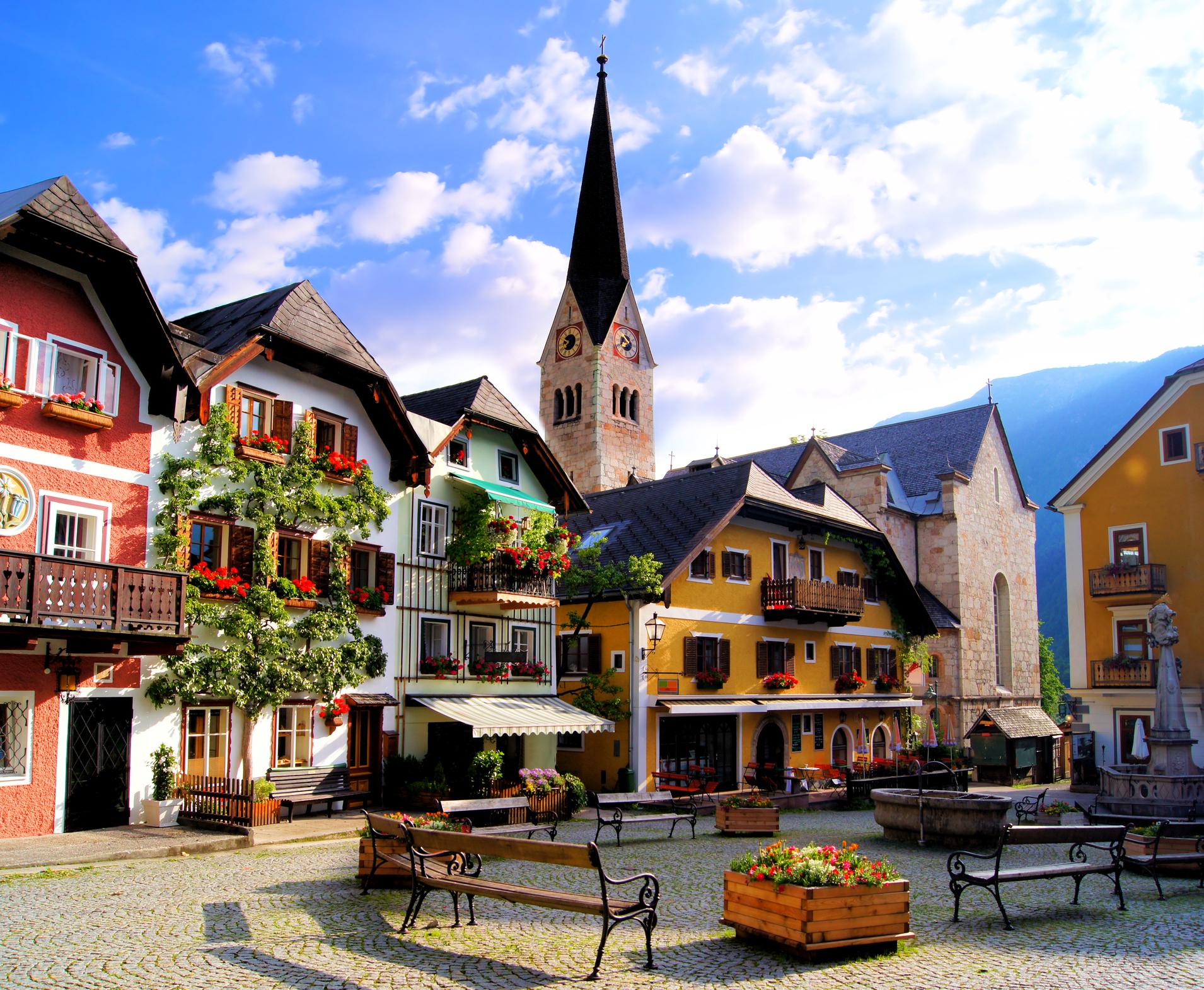 Халщат, Австрия<br /> Халщат се намира в Горна Австрия, в района Халщат – Дахщайн, или по-точно - Салцкамергут (Salzkammergut), на югозападния бряг на едноименното езеро.