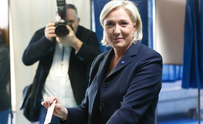 Марин льо Пен упражнява правото си на глас