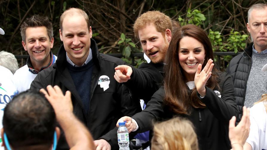 Млади и красиви - братята братовчеди на Уилям и Хари