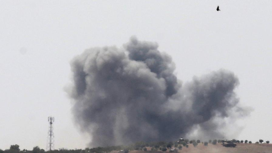 Обрат в Сирия, армията на Асад тръгна срещу Турция