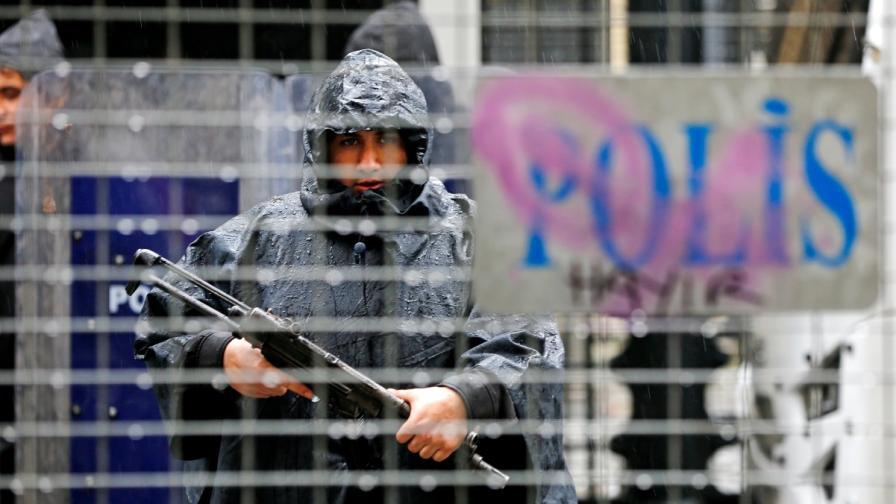 Чистката не спира: Отстраниха над 9000 турски полицаи