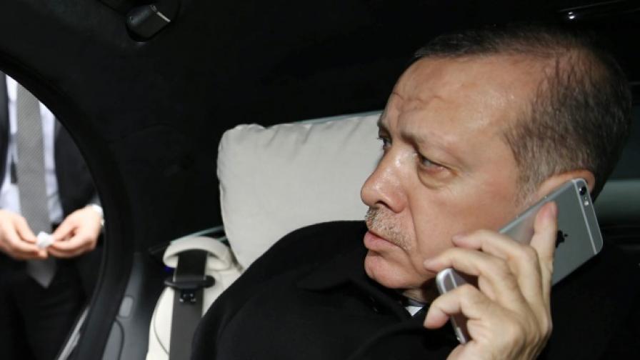 Турция спря Уикипедия, Ердоган прави нова чистка