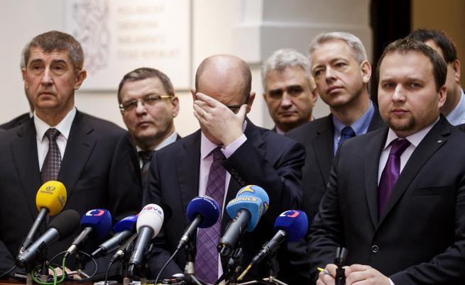 Чешкият премиер Бохуслав Соботка ще подаде оставка 6 месеца преди изборите
