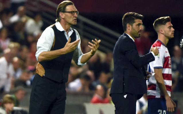 Тони Адамс при загубата с 0:4 от Реал Мадрид. източник: БГНЕС