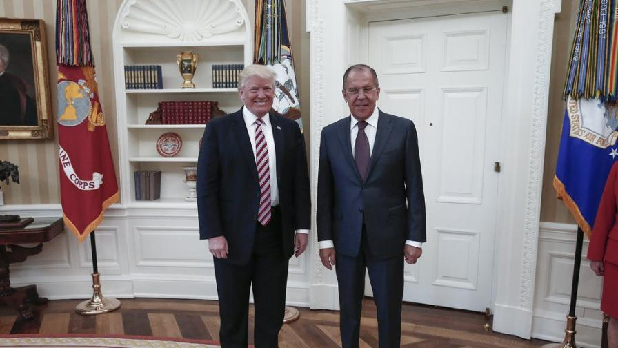 Тръмп прие руският външен министър Сергей Лавров в Овалния кабинет