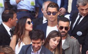 Майката на Роналдо отрече гаджето му да е бременна
