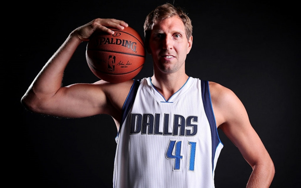 Новицки аут до края на редовния сезон в НБА