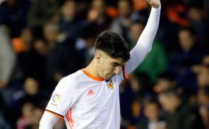 Манчестър Юнайтед преговаря с Валенсия за испански национал