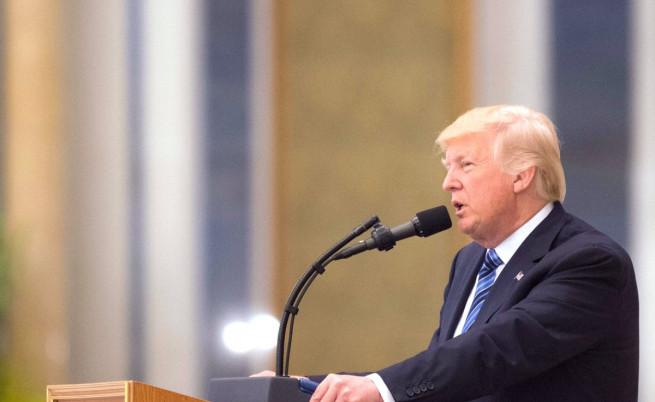 Американски министър заспа по време на историческата реч на Тръмп
