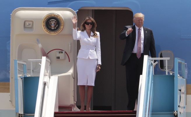 Тръмп и Мелания пристигнаха в Израел, роботи ще ги пазят