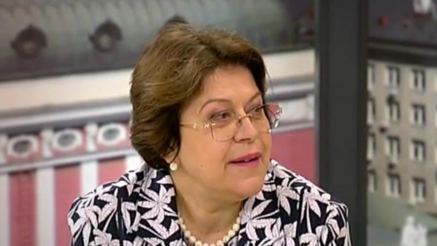 Дончева: Борисов трябва да упражни авторитета си върху Цацаров