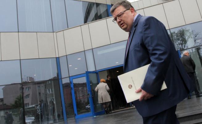 Цацаров: Няма нищо за криене за КТБ
