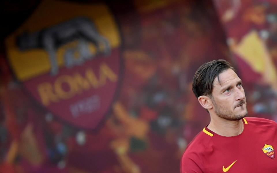 Първият ден на Тоти като директор в Рома