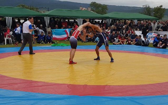 Али Омарпашаев източник: www.bul-wrestling.org