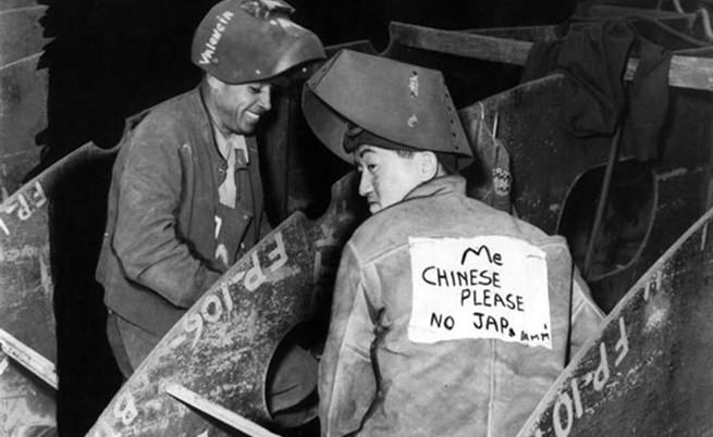 Защо през миналия век в САЩ носеха значки